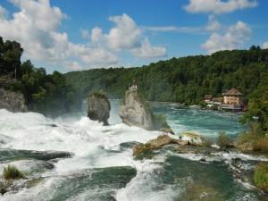 Admirando las Cataratas del Rin (Suiza)