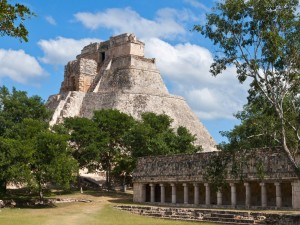 Pirámide del Adivino en Uxmal  (Yucatán, México)
