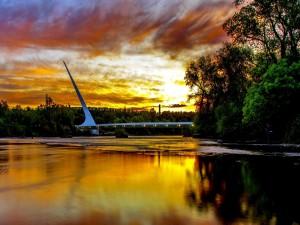 Puente sobre el río Sacramento