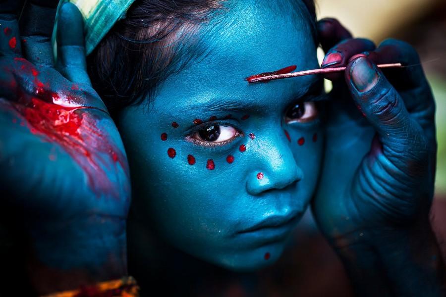 La profunda mirada de una niña (Mahesh Balasubramanian)