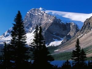 Montaña en el Parque Nacional Banff (Alberta,Canadá)