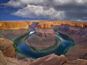 Hermosa vista de la Curva de la Herradura (Río Colorado, Page, Arizona)