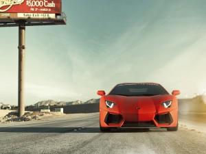 Lamborghini Aventador en la carretera