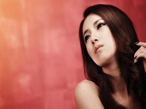 El rostro de una bella modelo asiática