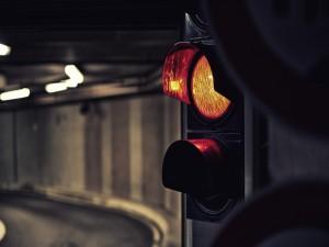 Semáforo en un túnel
