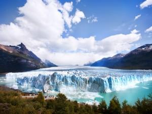 Área de observación en el imponente glaciar Perito Moreno (Argentina)