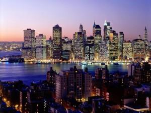Rascacielos de Nueva York iluminados por la tarde