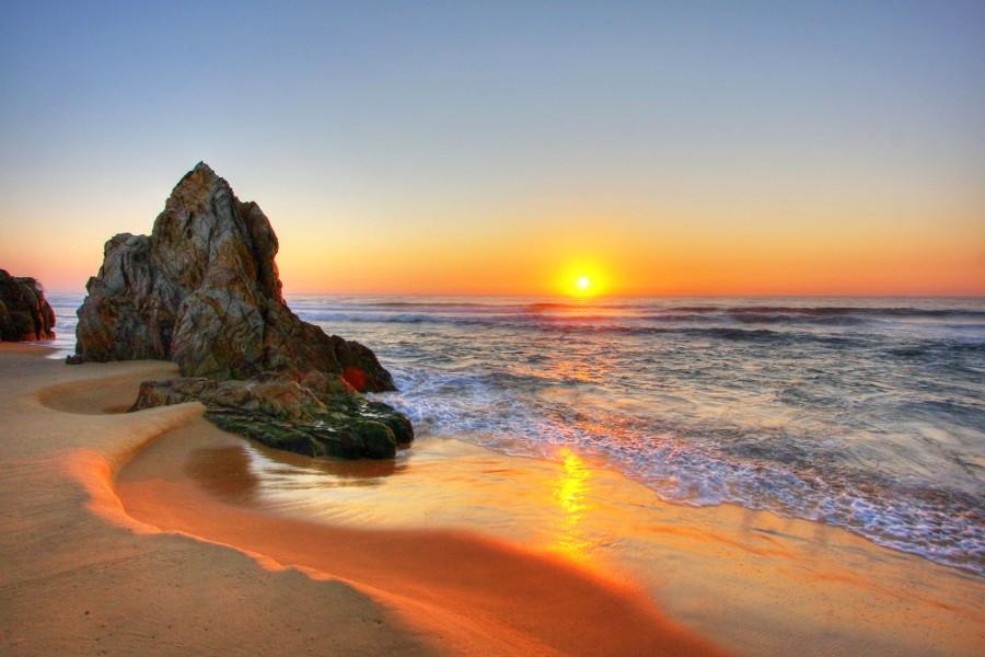 La vista inspiradora de la salida del sol en Tathra Beach, Australia