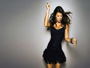 Una chica bailando