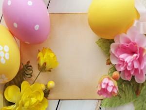 Arreglo decorativo para el día de Pascua