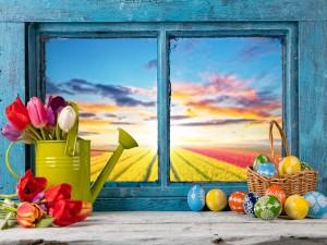 Ventana decorada para el día de Pascua