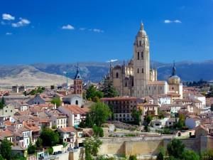 Vista de Segovia y su Catedral (España)