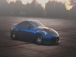 Nissan 350Z de color azul