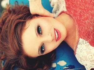 Chica guapa sonriendo