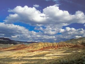 Nubes sobre las montañas (Oregón)