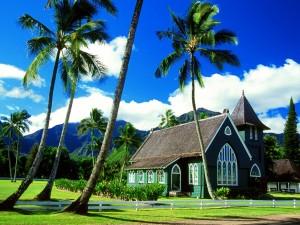Iglesia entre palmeras (Kauai, Hawái)