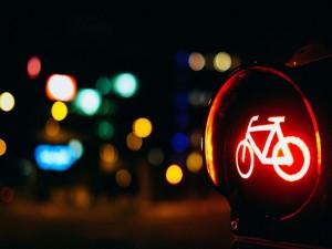 Semáforo en rojo para bicicletas