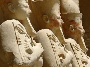 Estatuas del Templo funerario de Hatshepsut (Tebas, Egipto)