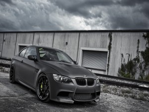 BMW M3 de color gris