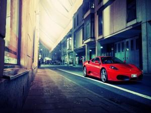 Ferrari F430 en una calle