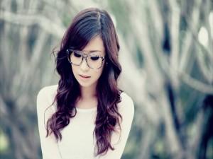 Una guapa chica asiática
