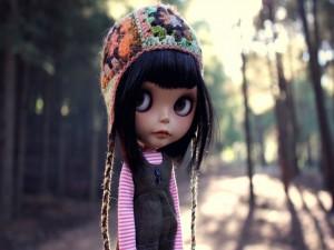 Muñeca con un gorro de lana