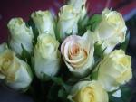Formidable ramo de rosas blancas