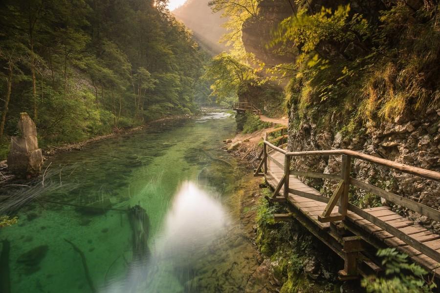 Río en el Parque Nacional de Triglav (Eslovenia)