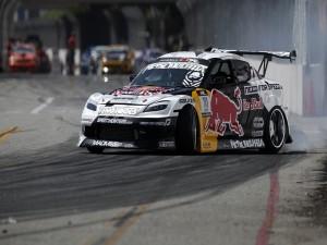 Mazda RX8 en una pista de drift