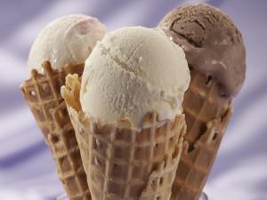 Tres conos con helado