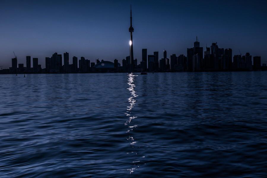 Luz brillando en la ciudad