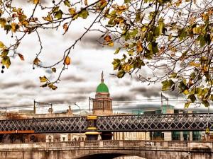 Puente en Dublín (irlanda)