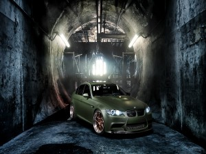 Un BMW M3 de color verde