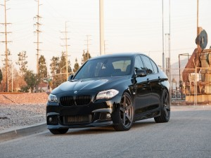 BMW 535 de color negro
