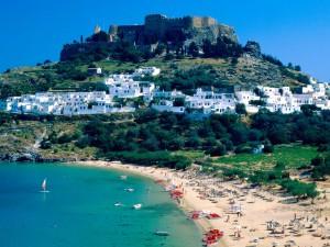 Hermosa vista de Lindos ( isla de Rodas, Grecia)