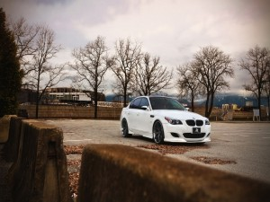 BMW en un aparcamiento