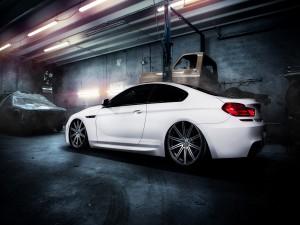BMW M6 en un taller
