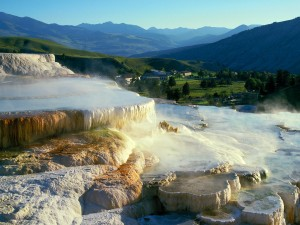 Terraza de Minerva en Mammoth Hot Springs (Parque Nacional Yellowstone)