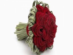 Radiante ramo de rosas rojas