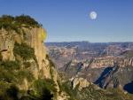 Luna en las Barrancas del Cobre (Estado de Chihuahua)