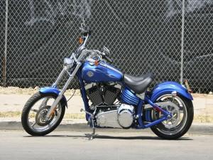 Harley Davidson de color azul