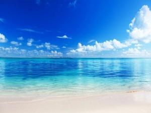 Hermosa playa azul