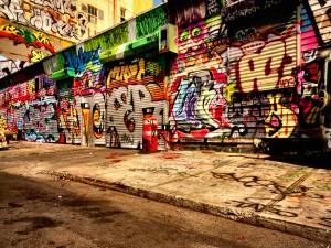 Graffitis en una calle