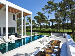 Impresionante casa con piscina