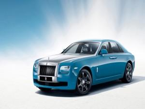 Rolls Royce de un bonito color azul