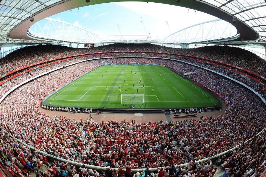 Gente en el estadio del Arsenal