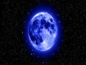 Luna brillando en el firmamento
