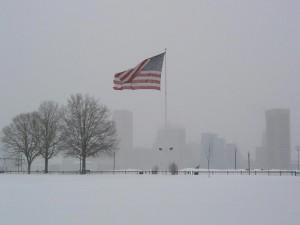 Bandera de los Estados Unidos sobre la nieve