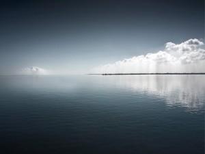 Nubes sobre el agua
