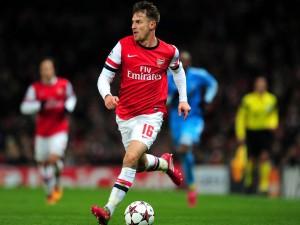 Aaron Ramsey jugando con el Arsenal